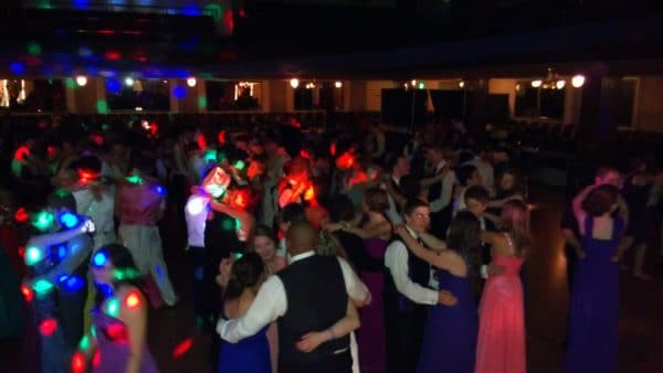Vancouver WA DJ Spins The Hits At Prom