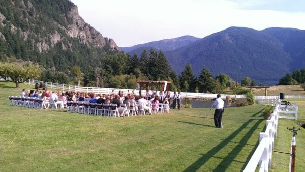 Gorge-ous Wedding In Stevenson