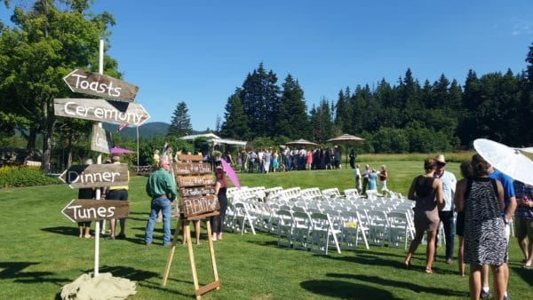 Hot Mt. Hood Wedding Cocktails