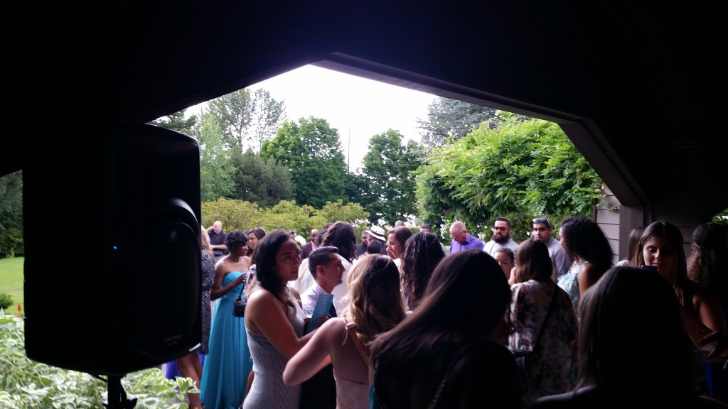 Portland Wedding DJ Edgewater Country Club Cocktail Hour