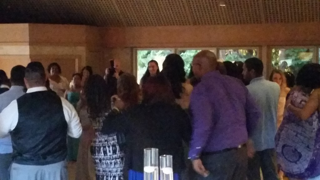 Portland Wedding DJ Edgewater Country Club Guests Dancing