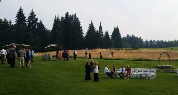 Mt. Hood Wedding Cocktail Hour